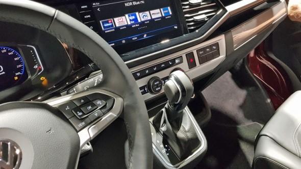 """VW Radio/Navigatie 'Discover Media' met 8"""" touchscreen, 2x USB, spraakbediening, app-connect en internet"""