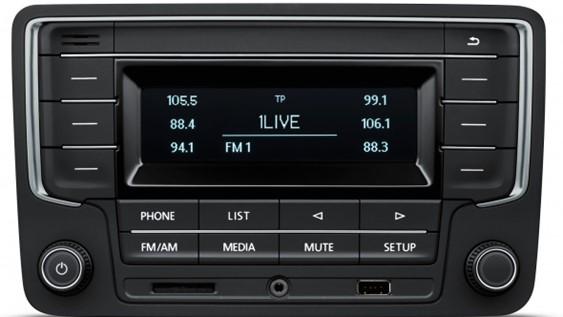 VW Radio 'Composition Audio' met TFT display (monochrome)